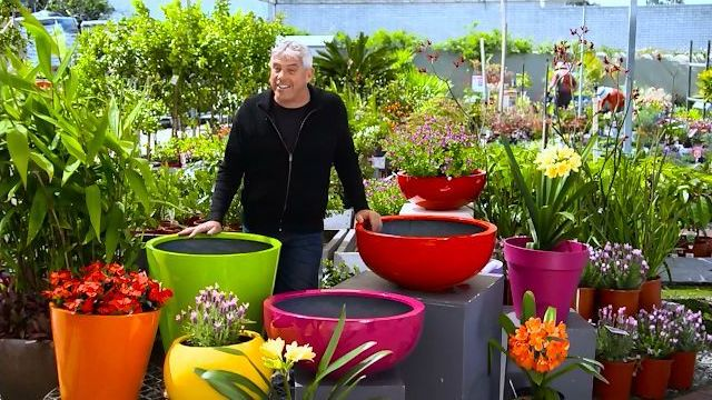Light weight fiberglass planters